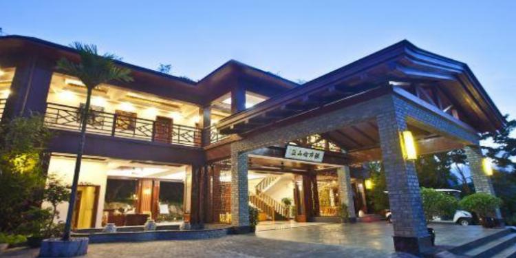 雅布伦田园山庄酒店